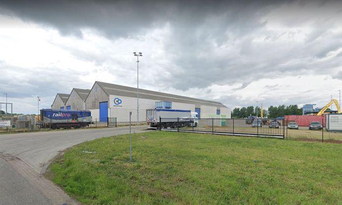 Het terrein aan de Merwedestraat in Oss waar OOC een mestfabriek wil bouwen.