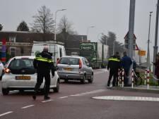 Fietser gewond naar ziekenhuis na ongeval in Daarlerveen
