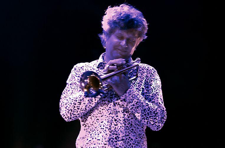 De Nederlandse trompettist Eric Vloeimans tijdens zijn optreden met cellist Jorg Brinkman en accordeonist Tuur Florizone op het North Sea Jazz Festival Beeld Paul Bergen