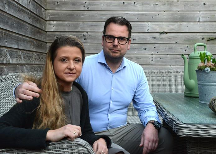 Christine en Hans Knetsch wonen in Katwijk, op 130 kilometer van hun 14-jarige zoon.