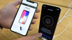 """""""Apple werkt aan nieuwe iPhone met lcd-scherm en metalen behuizing"""""""