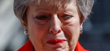 Theresa May wordt wakker. Haar nieuwe leven moet beginnen, maar ze weet niet hoe.