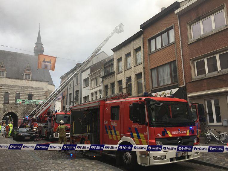 Mechelen - De brandweer is momenteel ter plaatse.