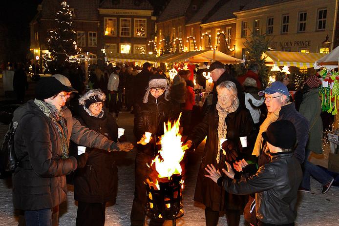 Candlelight shoppen in de vesting Heusden, in de aanloop naar Kerst. Dit jaar beleeft het z'n zestiende editie.