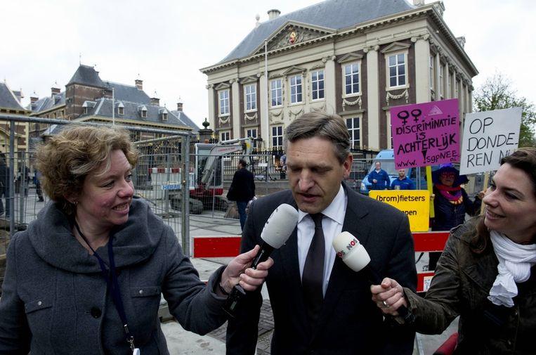 CDA-fractieleider Sybrandt van Haersma Buma komt aan voor de ingelaste ministerraad over de politieke crisis. Beeld anp