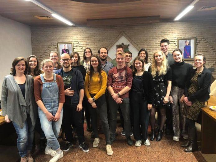 De nieuwe jeugdschepen Bart Heestermans verwelkomde een nieuw samengestelde jeugdraad.