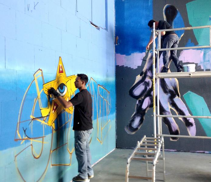 Steven Hopman aan het werk bij de Graffiti Jam van vorig jaar