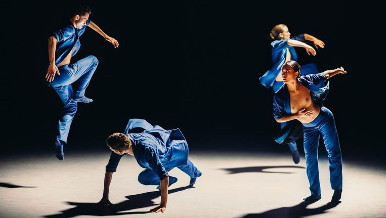Gregory Lau, Paxton Ricketts, Alice Godfrey, en Madoka Kariya in Soon van Medhi Walerski door Nederlands Dans Theater 1. Beeld Rahi Rezvani