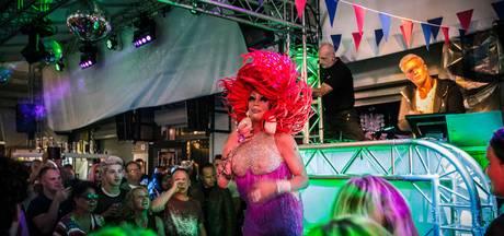 Valse Start van Roze Maandag, Tilburg kleurt zondagnacht al roze