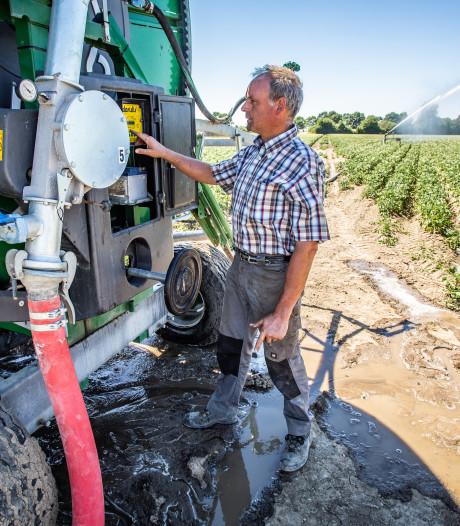 Boeren genoodzaakt om extreem vroeg de sproeimachines aan te zetten