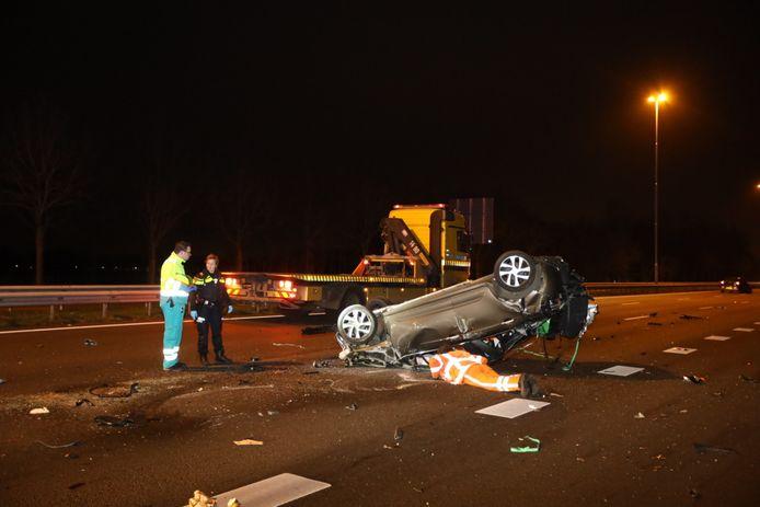 Grote schade na botsingen op de A2 bij Liempde.