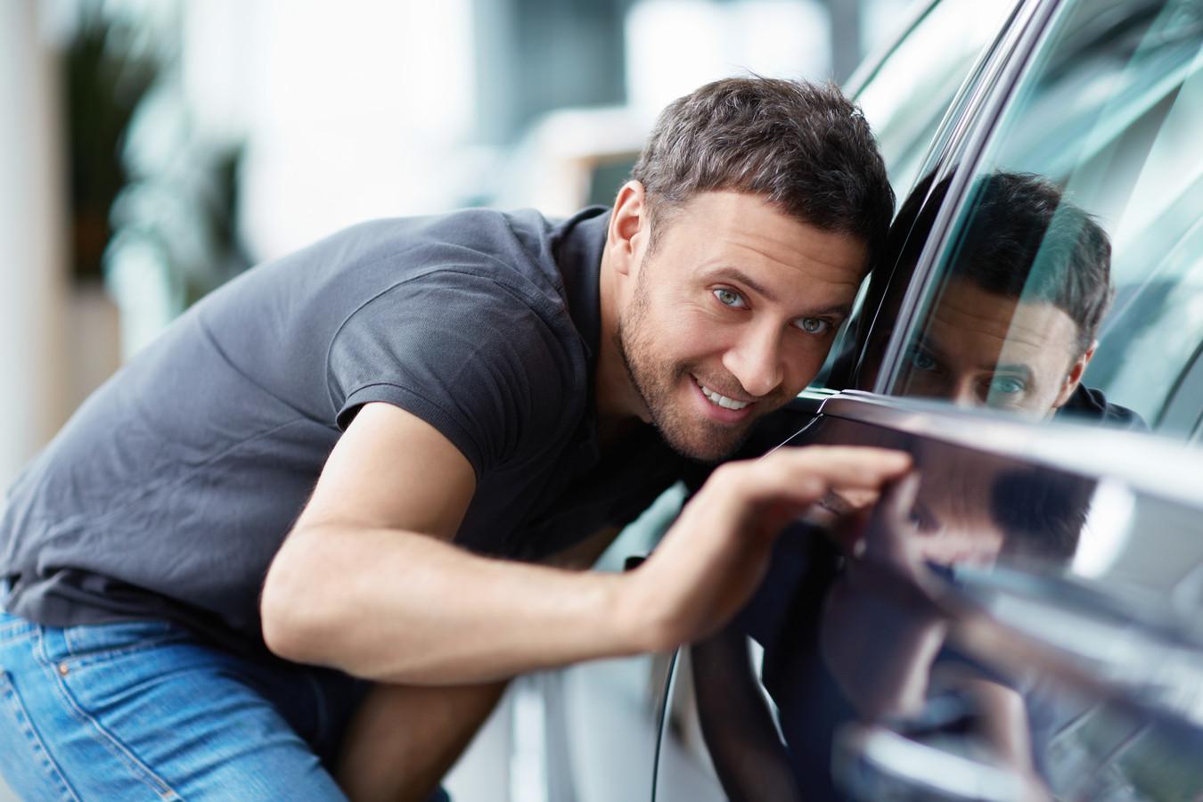 Goed opletten bij de aanschaf van een gebruikte auto kan voorkomen dat je er uiteindelijk een miskoop aan hebt