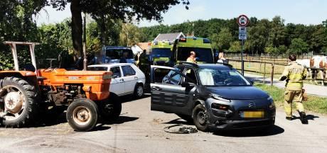 Gewonde na ongeluk met trekker en auto's bij Babberich