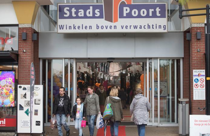 Het 5-jarige meisje werd door haar oma meegenomen naar winkelcentra in Ede om diefstallen te plegen.