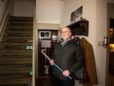 Gert (58) mept inbreker met hockeystick door piepklein wc-raam in Harderwijk: 'Ik sla je helemaal kapot!'
