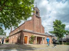 Meepraten over kerk in Heumen