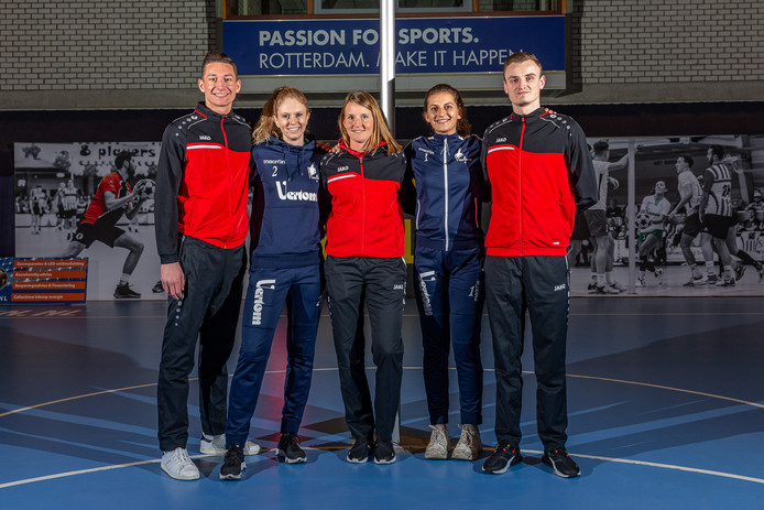 De vijf Belgische (top)korfballers die hun sportieve heil in de Drechtstreek zoeken, met van links naar rechts: Jordan de Vogelaere, Julie Caluwé, Shiara Driesen, Famke Wuyts en Jarre De Ley.
