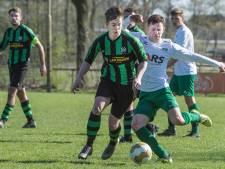 3D: Hapse Boys geeft voorsprong uit handen, Vitesse'08 kansloos onderuit