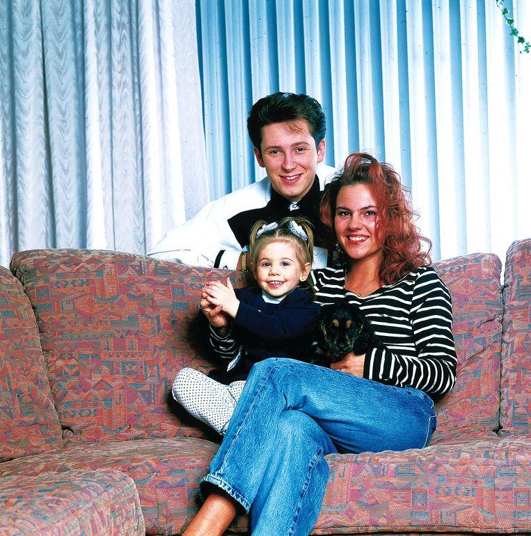 """Lotti met zijn eerste vrouw Kimberley Grosemans en hun dochtertje Messalina. Nu toont hij geen foto's meer van zijn dochter, en ook niet van zijn huidige vriendin Marieke: """"Ik doe er alles aan om de mensen die ik graag zie af te schermen."""""""