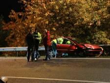 Lange file op A50 door ongeluk met drie auto's
