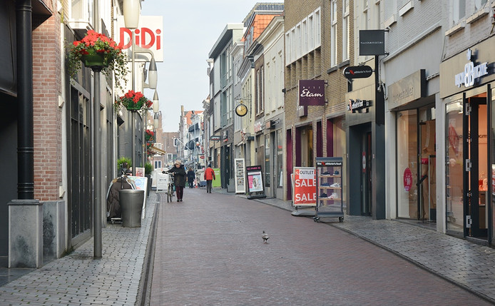 De Lange Kerkstraat in Goes.