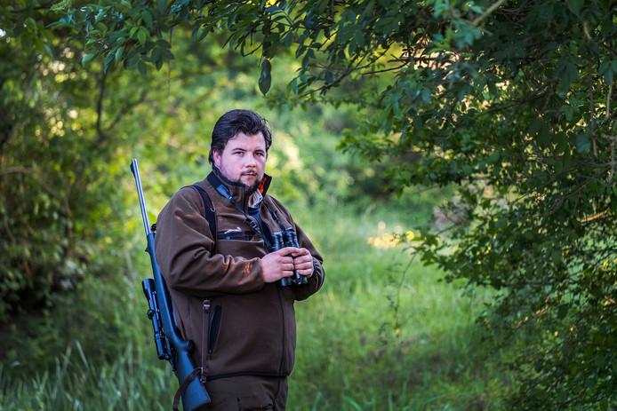 Koen van der Weelden uit Milsbeek is jager en over hem is een documentaire gemaakt door twee mensen in de opleiding journalistiek.