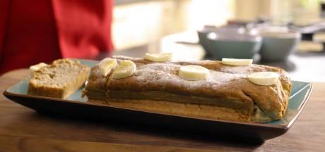 Estée Strooker laat zien hoe je het beste bananenbrood maakt