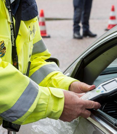 80-jarige moet rijbewijs inleveren wegens rijden onder invloed