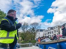 Havenmeester laat het bij  waarschuwen op Koningsdag