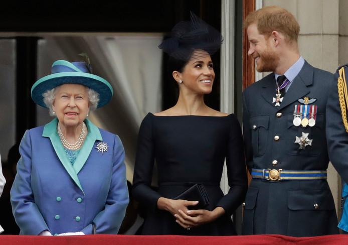 Archiefbeeld uit juli 2018: Koningin Elizabeth samen met Harry en Meghan.