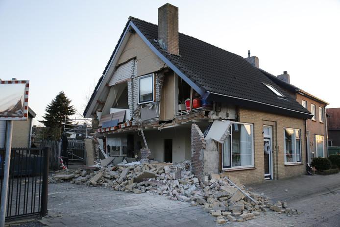 Huis stort deels in na vernieuwing van riolering in Made.