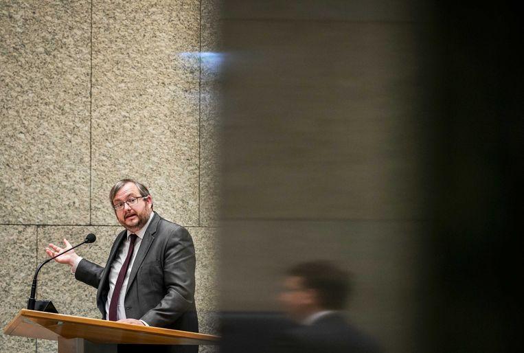 Frank 'De Futs' Futselaar (SP) tijdens het debat over de aanpak van de stikstofproblematiek. Beeld ANP