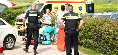 Automobiliste met kind rijdt door na aanrijden oudere vrouw in Eemnes