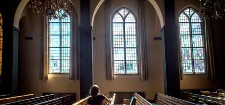 Alleen neuriën of eerste rij laten zingen: ook 'zware' kerken in Betuwe volgen coronamaatregelen