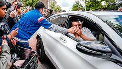 Duizenden fans betuigen steun aan familie van Ajax-speler Nouri, ploegmaats in tranen