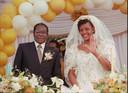 Mugabe huwde in 1996 met Grace Marufu.