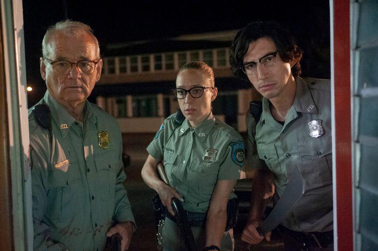 De hoofdrolspelers uit 'The Dead Don't Die' nemen het op tegen de ondoden.  Beeld