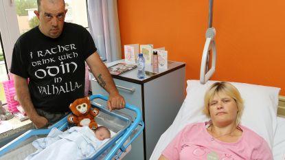 """Kristel en Mario krijgen nieuwe dochter twee jaar nadat hun baby stierf na mishandeling babysitter: """"Faith heeft hetzelfde oortje als Lielly"""""""