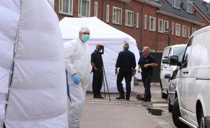 Het forensisch onderzoek aan de Wilgenstraat in Den Bosch.