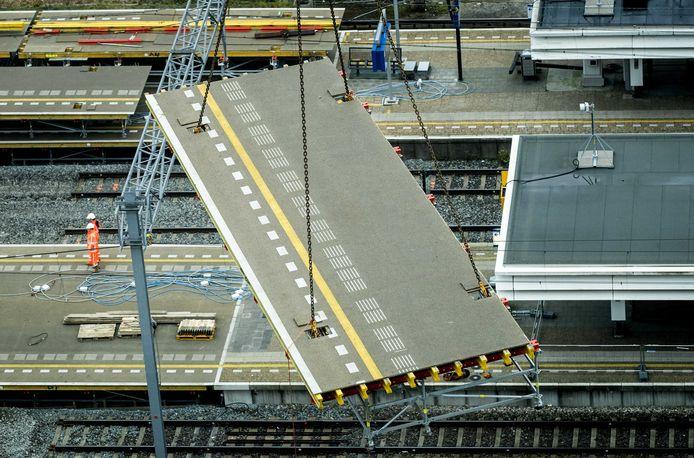 Werkzaamheden aan de A10 en het spoor bij station Amsterdam Zuid