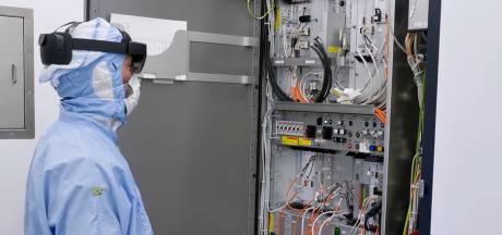 ASML laat specialist in Veldhoven meekijken met monteur in Azië