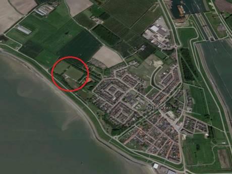 Sportvelden in de knel door dijkversterking Hansweert