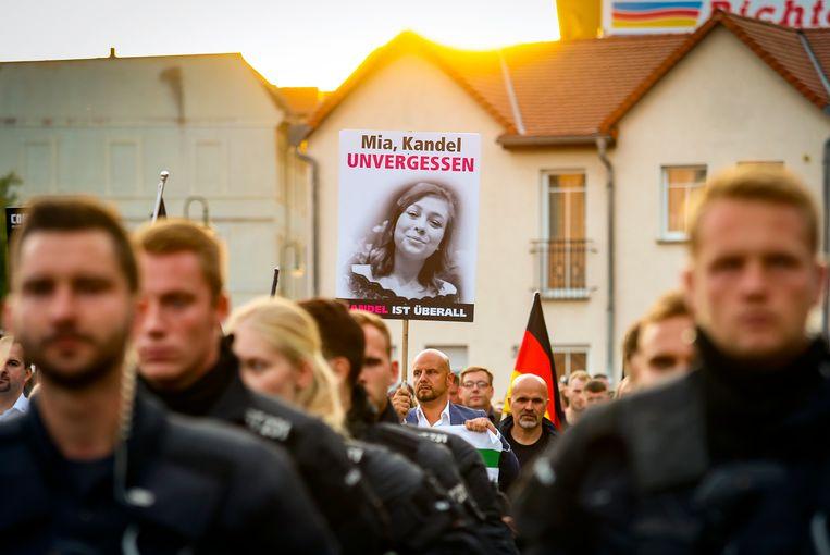 Extreemrechts groeperingen protesteren in Köthen.