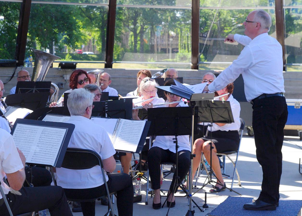 Het B-orkest van harmonie Excelsior uit Gemert.