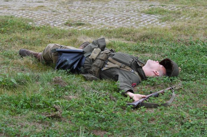 Re-enactment tijdens de herdenking van de bevrijding van Grave.