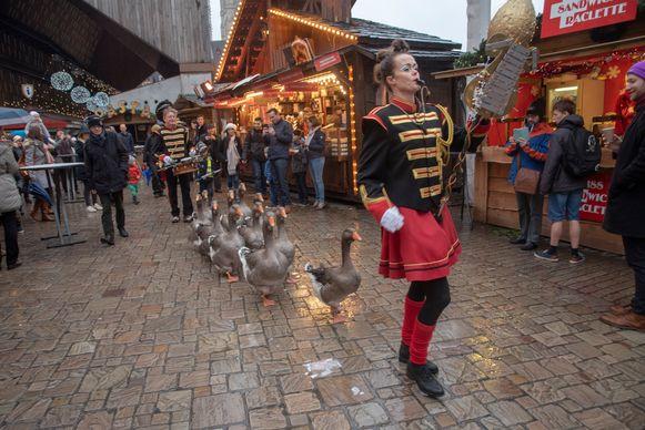 De Ganzenfanfare had heel wat bekijks op de Winterfeesten zondagnamiddag