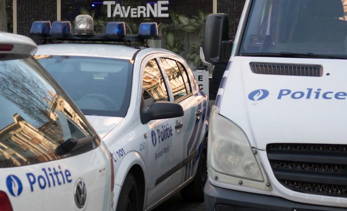Eén op de zes auto's van de federale politie is eigenlijk te vervuilend om de lage-emissiezones in Brussel en Antwerpen in te rijden.