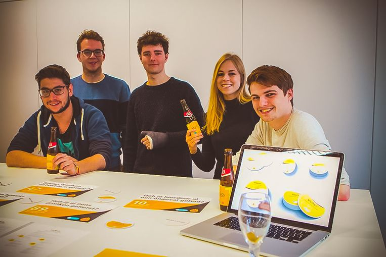 De vijf studenten Kobe Van Genechten, Rozan Cools, Senne Krijnen, Kevin Hens en Youri Verhoeven hopen dat de campagne aanslaat in heel Vlaanderen