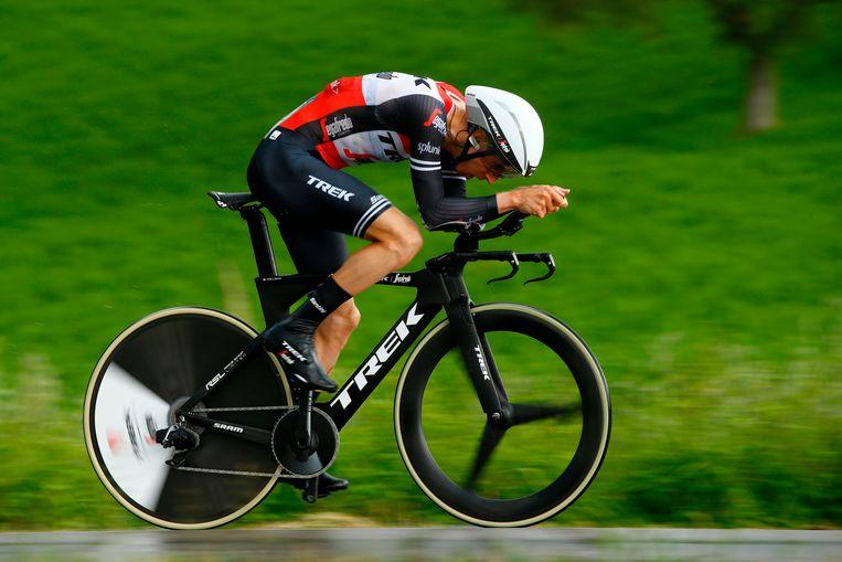 Bauke Mollema in actie tijdens zijn tijdrit in de Ronde van Italië.  Beeld AFP