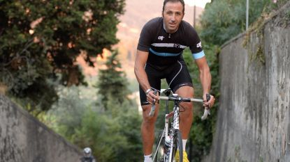 """KOERS KORT. Gilbert maakt zich kwaad op soigneur: """"De UCI zou dit moeten bestraffen"""" - Andrea Tafi (52) heeft verbluffend plan: """"Ik wil in 2019 Parijs-Roubaix rijden"""""""
